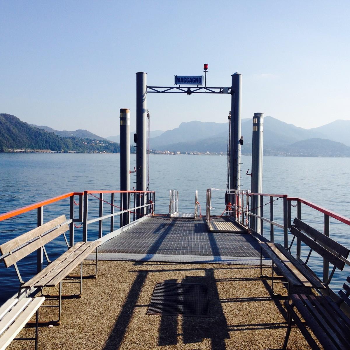 Uns gefällt vor Allem die italienische Seite des Lago Maggiore: Hier der Bootsanlegesteg von Maccagno.