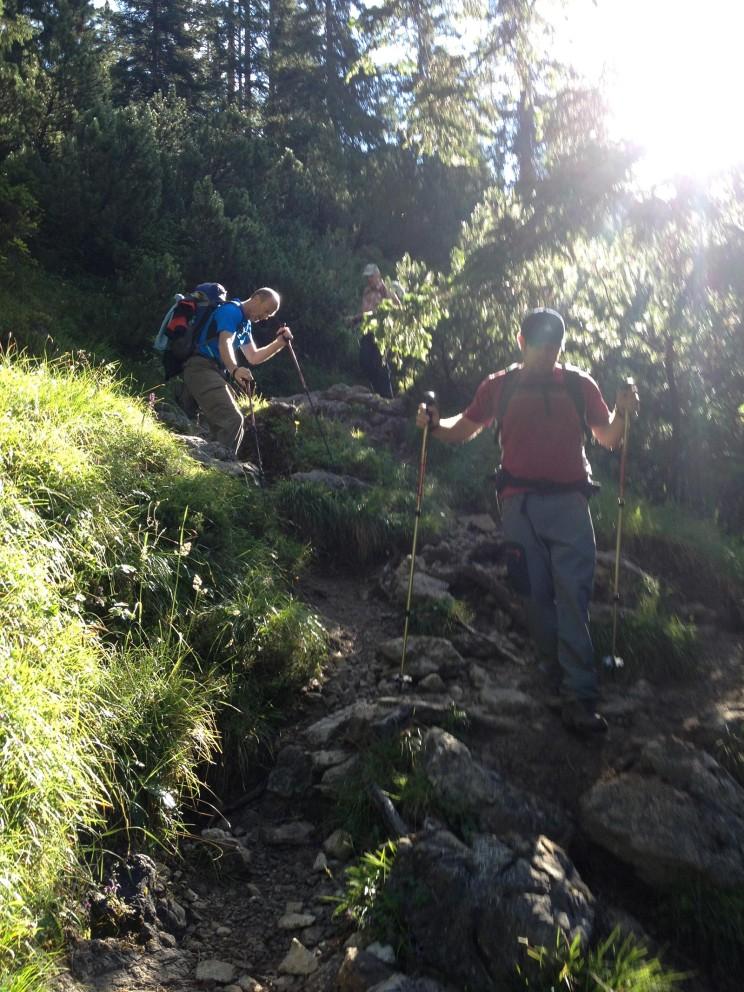 Steiler Abstieg zum Café Uta