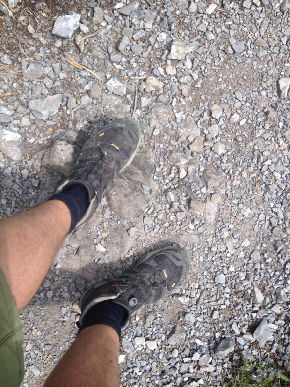 Geschundene Schuhe & Füsse beim Abstieg
