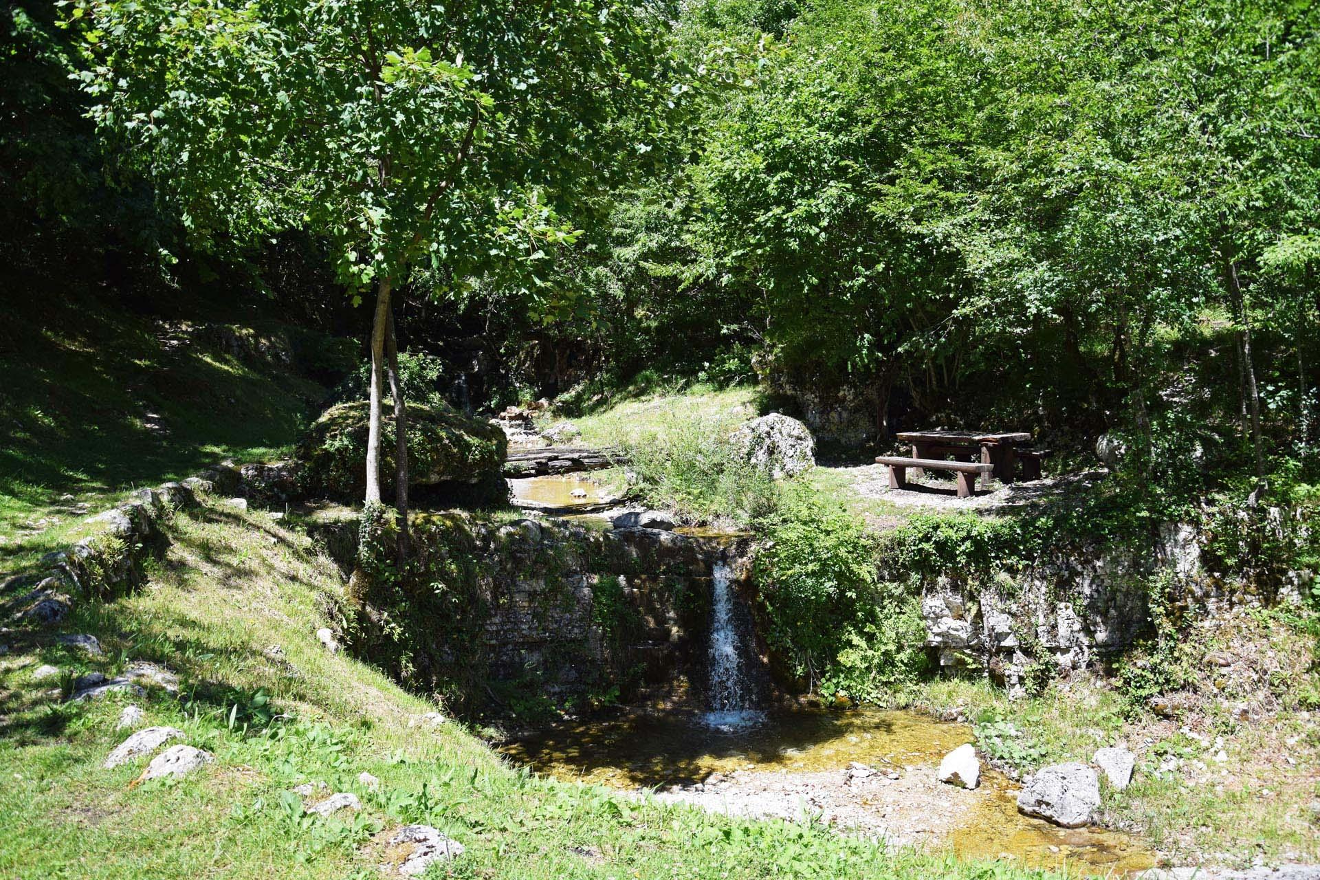 Kleiner Wasserfall in Trebisca