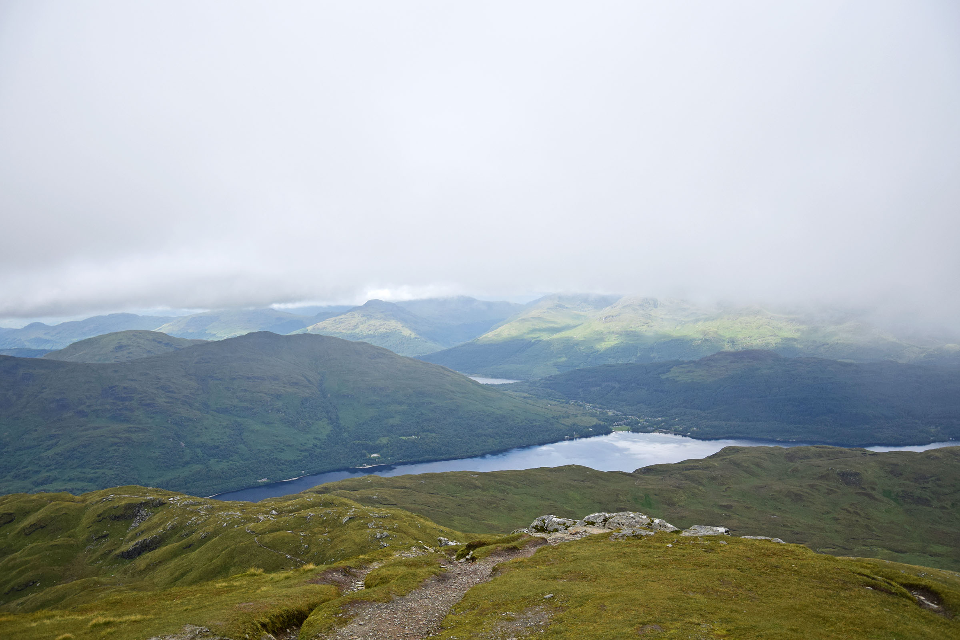 10 Gipfelausblick auf Loch Lomond