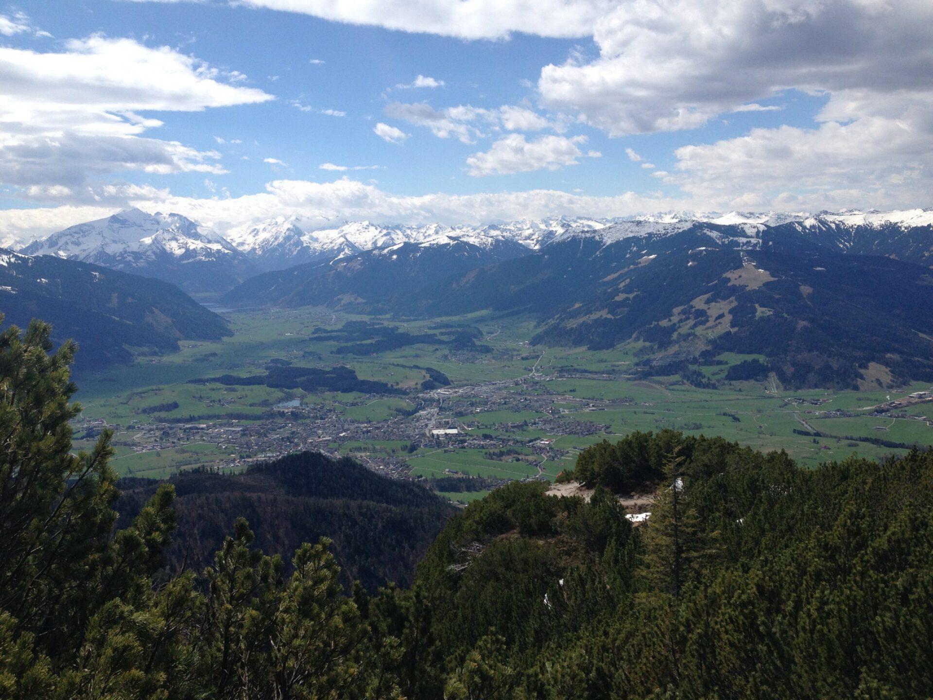 Blick in Richtung Wiesbachhorn, Kitzsteinhorn und Hohe Tauern