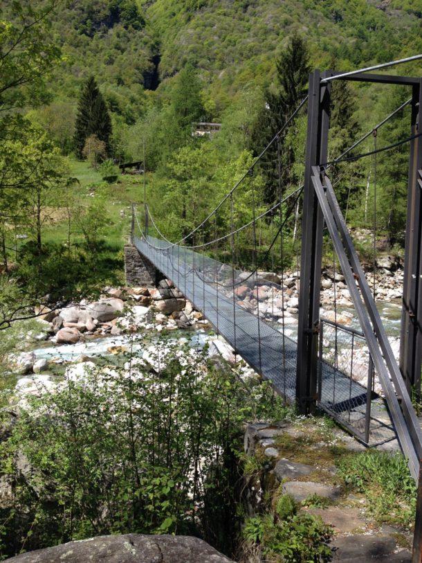 Hängebrücken helfen beim Abkürzen der Tour und bringen Abkürzer zur nächsten Bushaltestelle