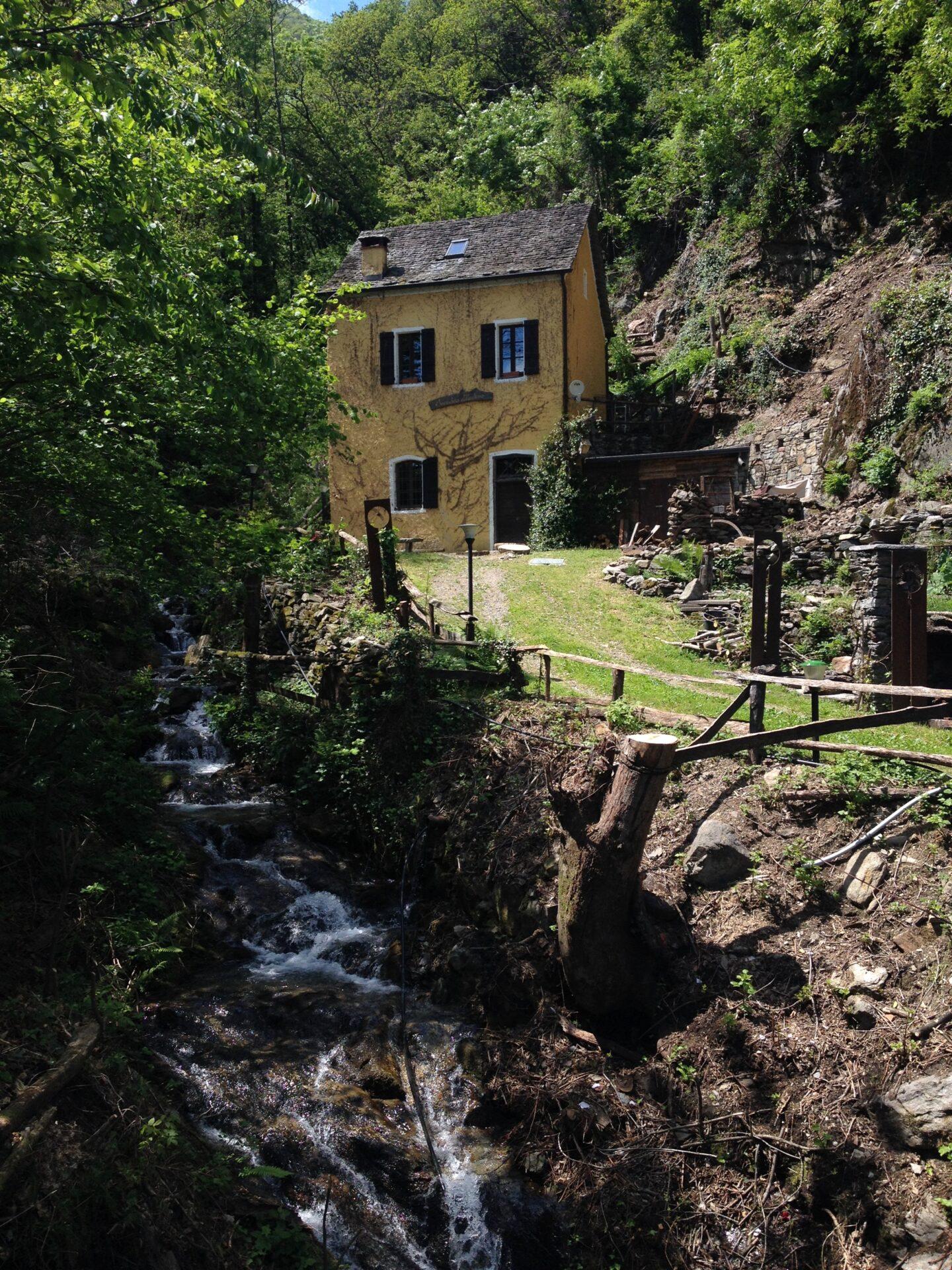 Die Mühle und der oberste Punkt der Wanderung