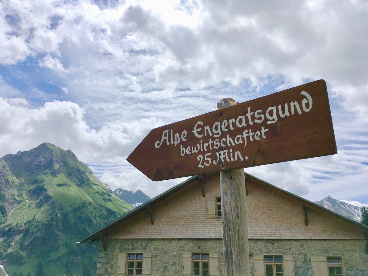Abstieg zur Alpe Engeratsgund