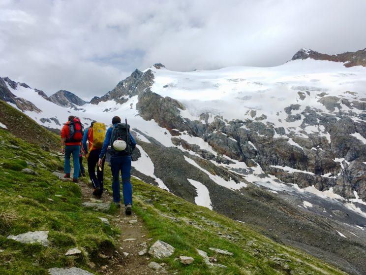 In der kleinen Gruppe in Richtung Rotmoosgletscher