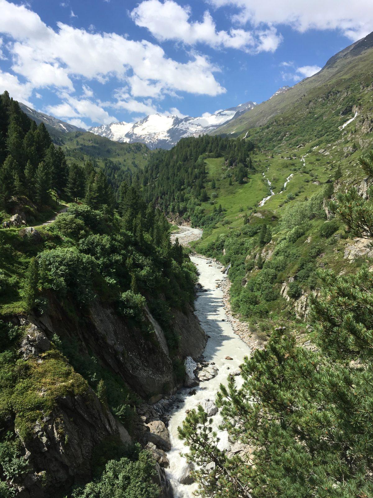 Aus- und Tiefblicke aus dem Klettersteig