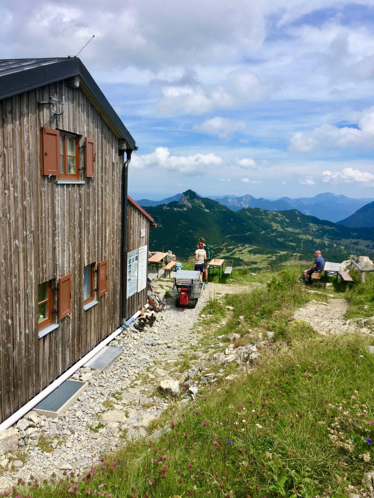 Ausblick von der Weiheimer Hütte