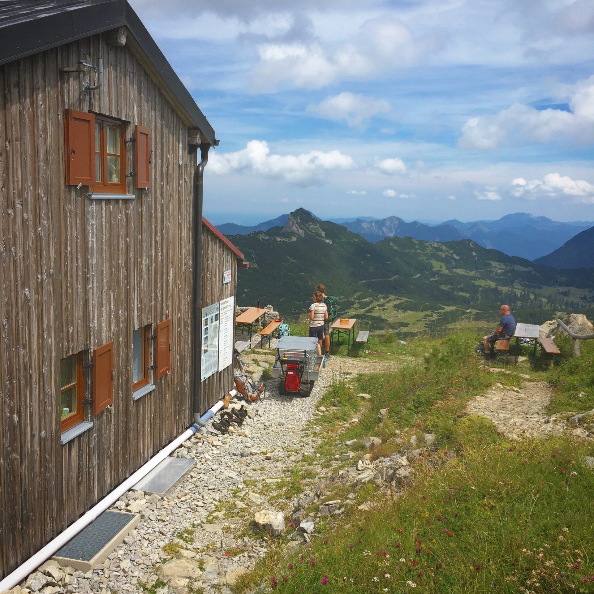 Ausblick an der Weilheimer Hütte