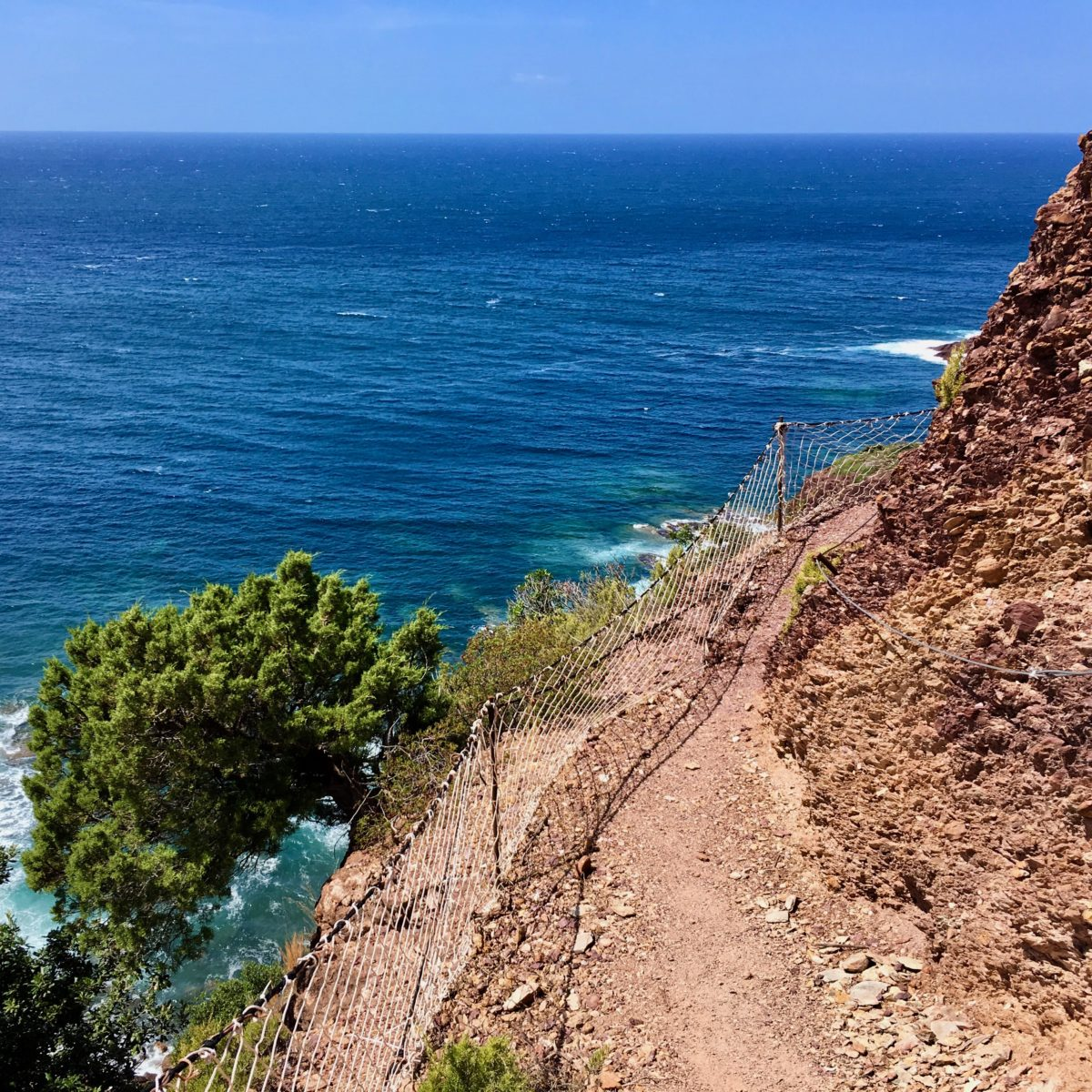 Wilde Wege entlang der Küste zwischen Nebida und Porto Corallo