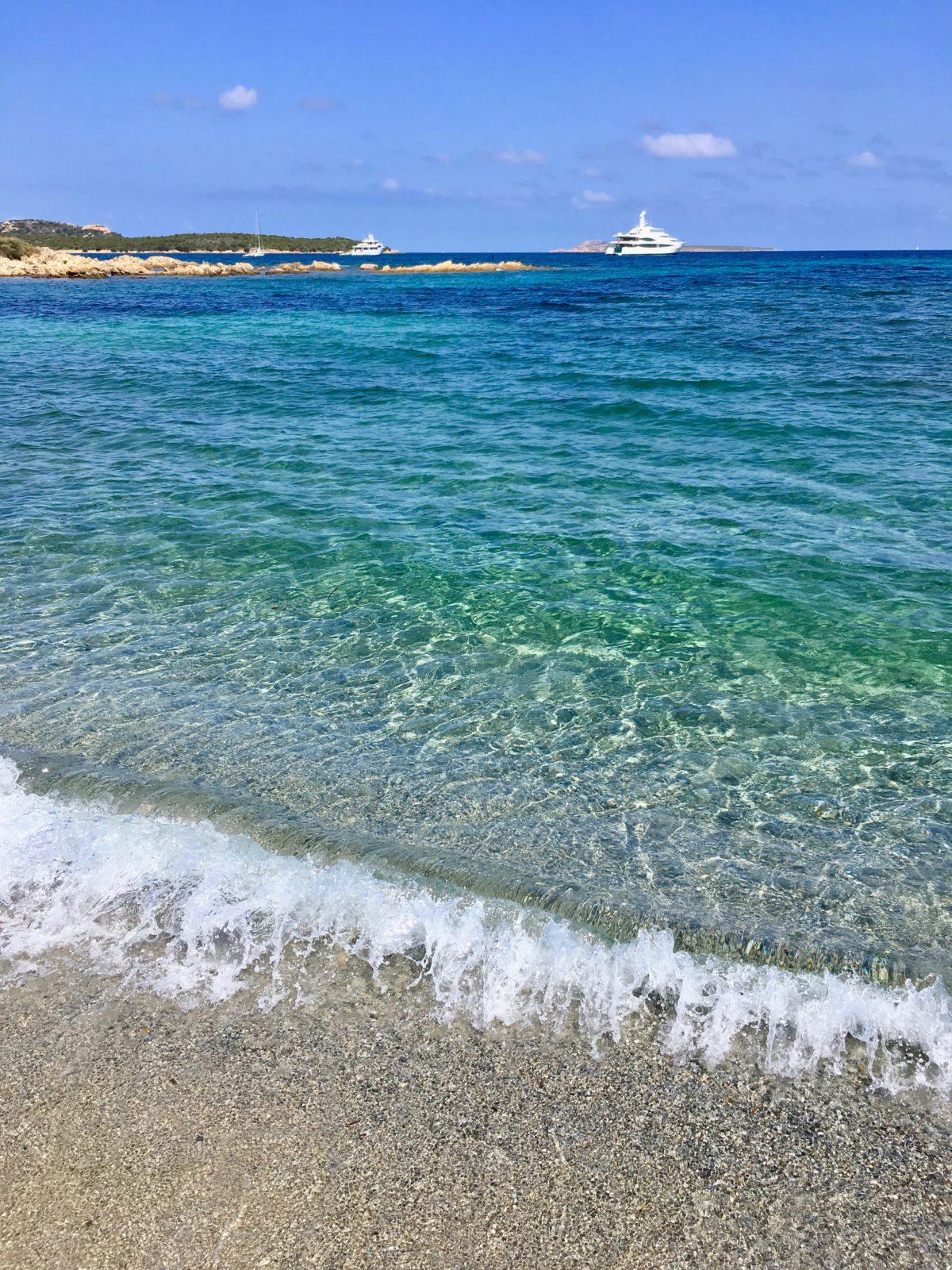 """Der Nordosten Sardiniens: Wo sich die """"Reichen und Schönen"""" tummeln…"""