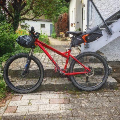 Mein Mountainbike - Fertig zur Abfahrt.