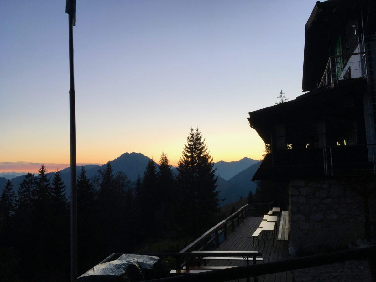 Sonnenuntergang am Brünnsteinhaus
