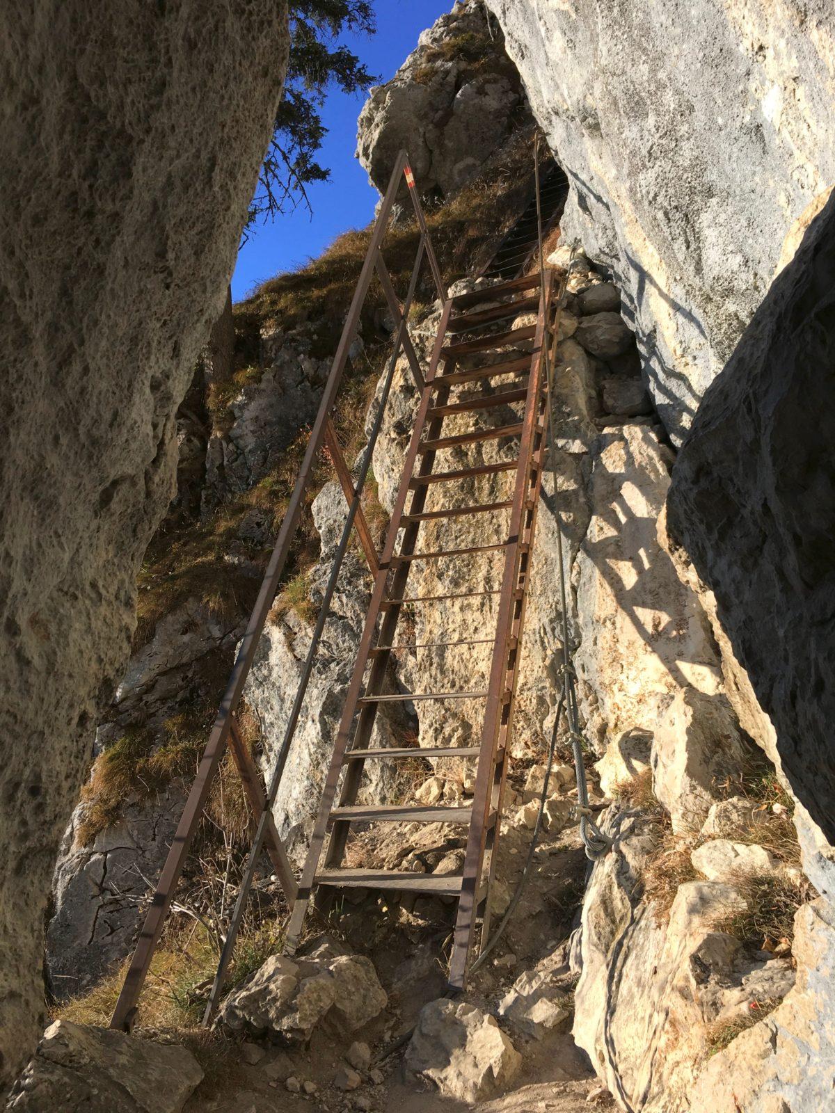 Stahltreppe im Klettersteig