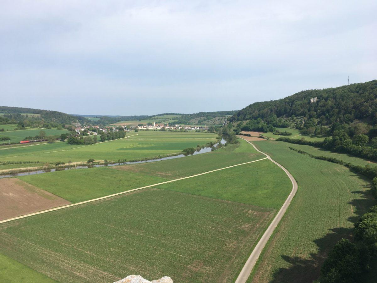 Blick zurück nach Dollnstein und auf die Atmühl