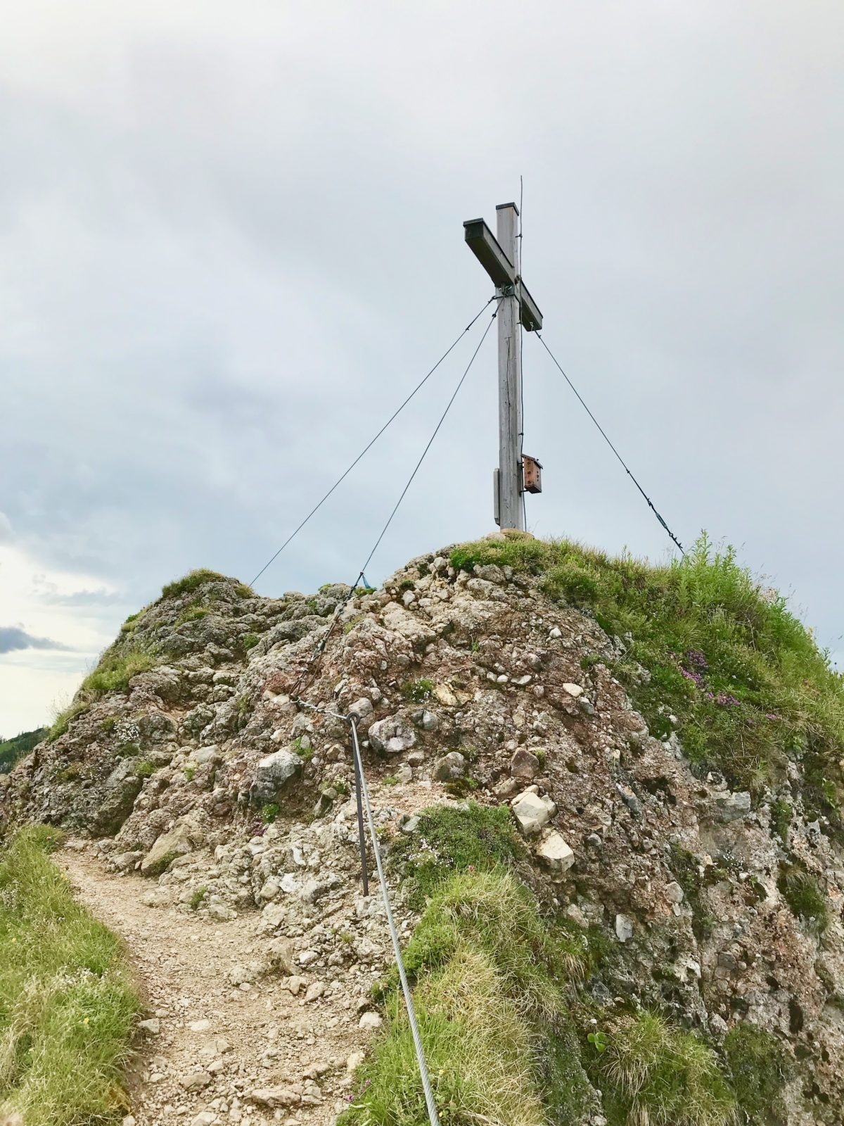 Am Gipfel des Brunnenkopfs