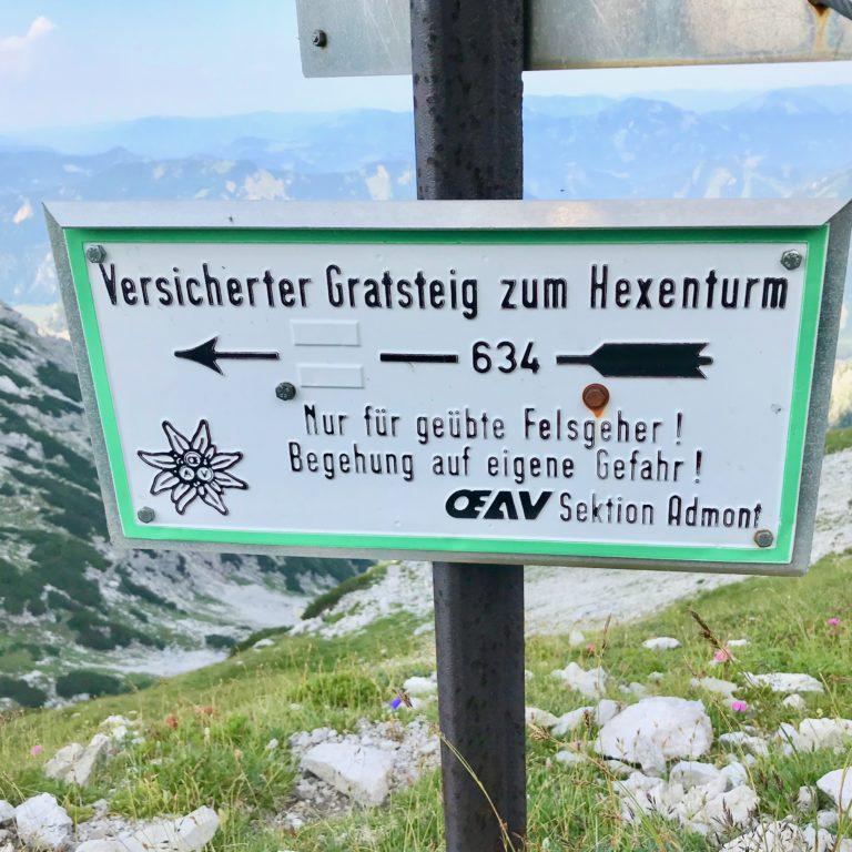 Der Wegabzweig zum Hexensteig-Klettersteig