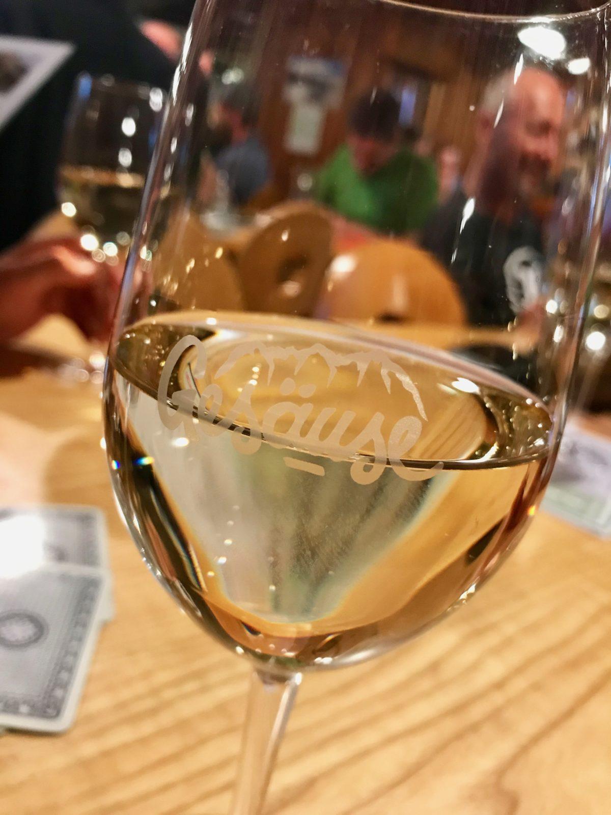 Wir lassen den Tag bei einem Wein ausklingen…