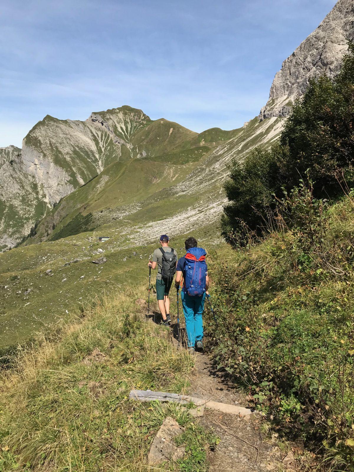 Nächstes Ziel im Blick: Der Himelecksattel (rechts) und die Schneck (links)