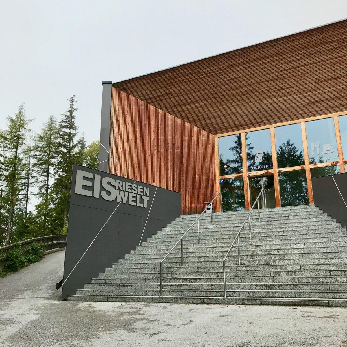 Start am Besucherzentrum Eisriesenwelt oberhalb von Werfen im Salzburger Land