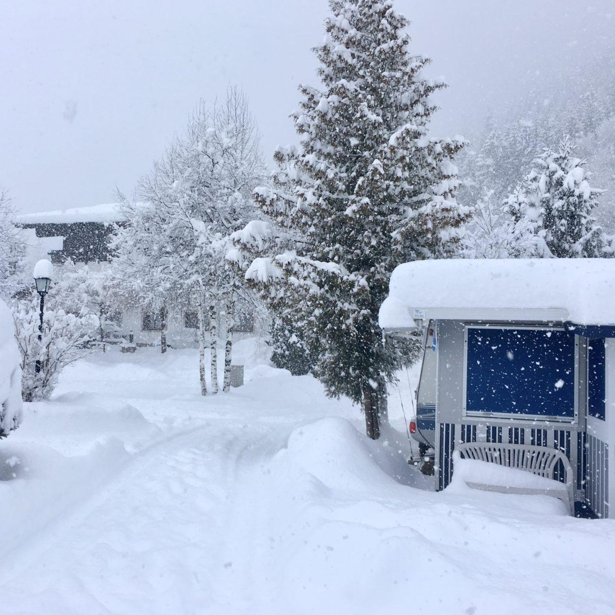 Wirklich Wintercamping: Schneemassen im Januar 2019