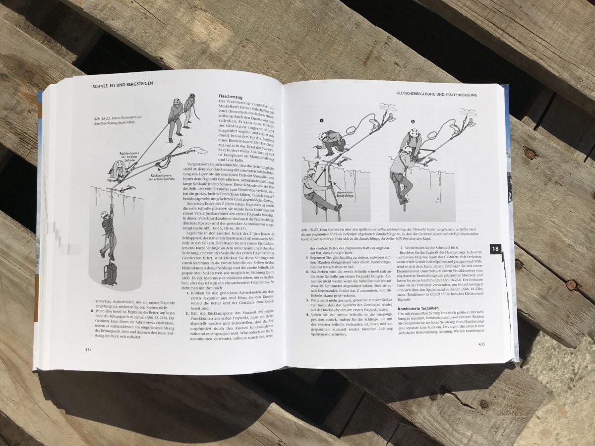Bergsteigen - Das große Handbuch: Spaltenbergung per loser Rolle